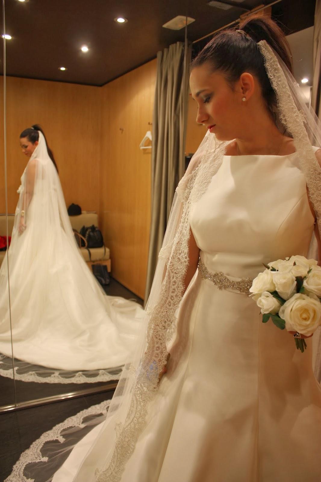 http://silviparalasamigas.blogspot.com.es/2013/11/look-evento-pronovias.html