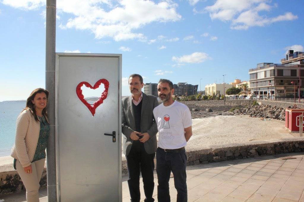 Fuerteventura luis guardia abre puertas en la avenida m ritima de puerto del rosario - Farmacia guardia puerto del rosario ...