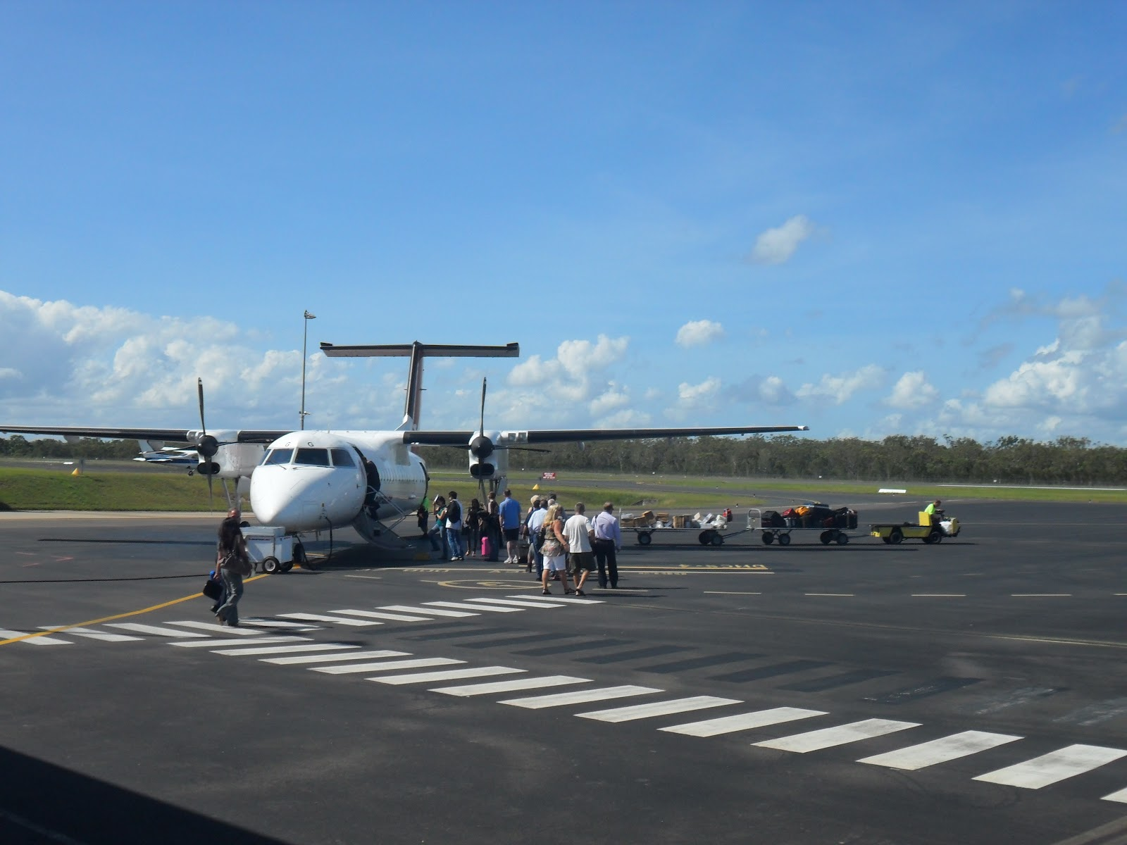 sydney to hervey bay flights - photo#22