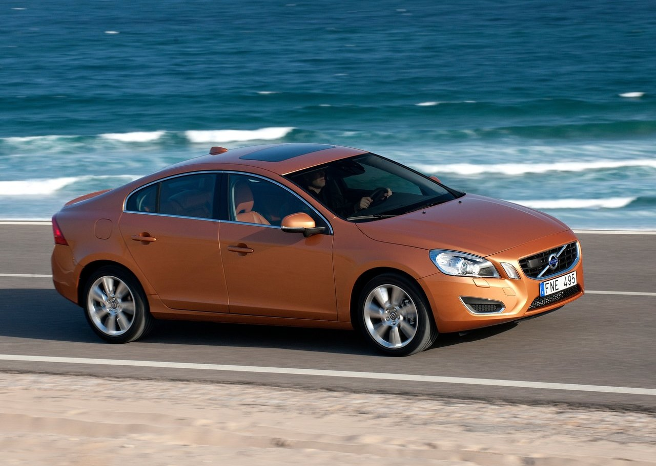 best car models all about cars 2013 volvo s60. Black Bedroom Furniture Sets. Home Design Ideas