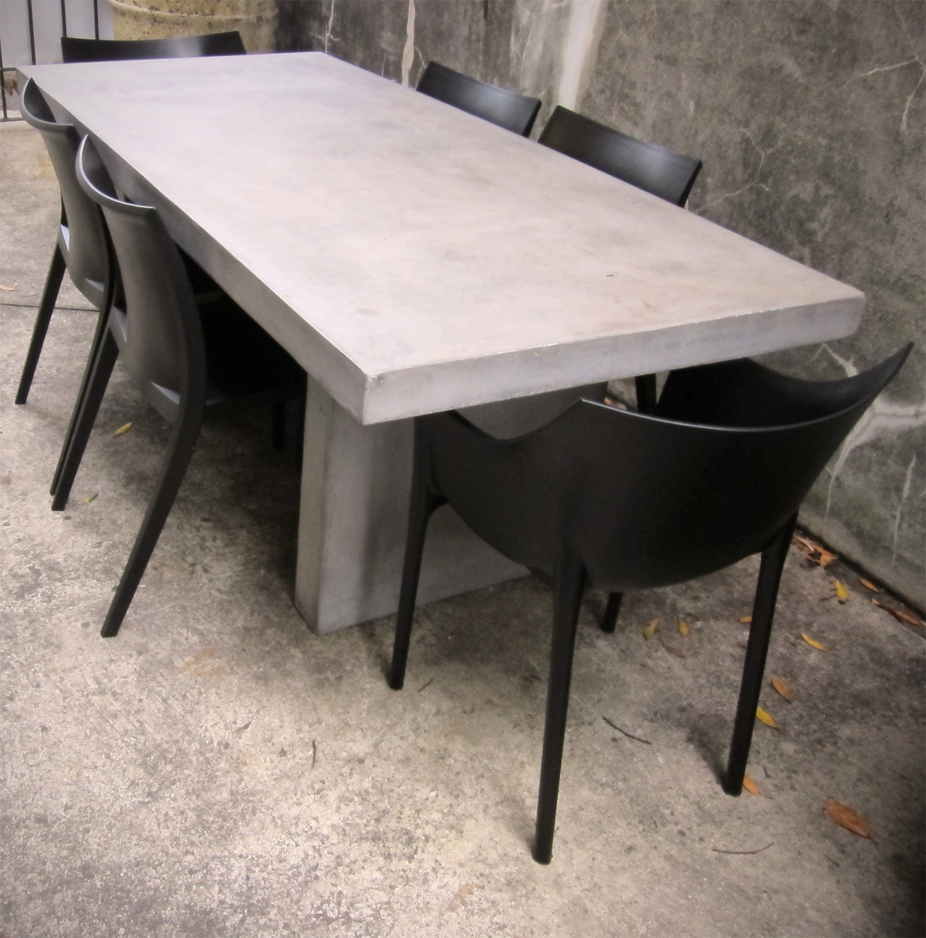 KOKO Classics Reduced to Clear Concrete Outdoor Dining Table