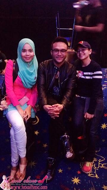Cik iena bersama rakan blogger, Helena dan juga Pelakon utama Shaheizy Sam   yanbg memegang watak Inspektor Khai