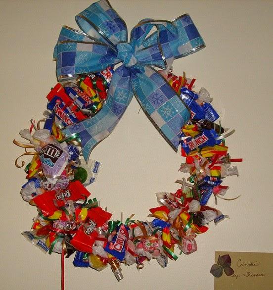 Coronas de Navidad con Materiales Reciclados
