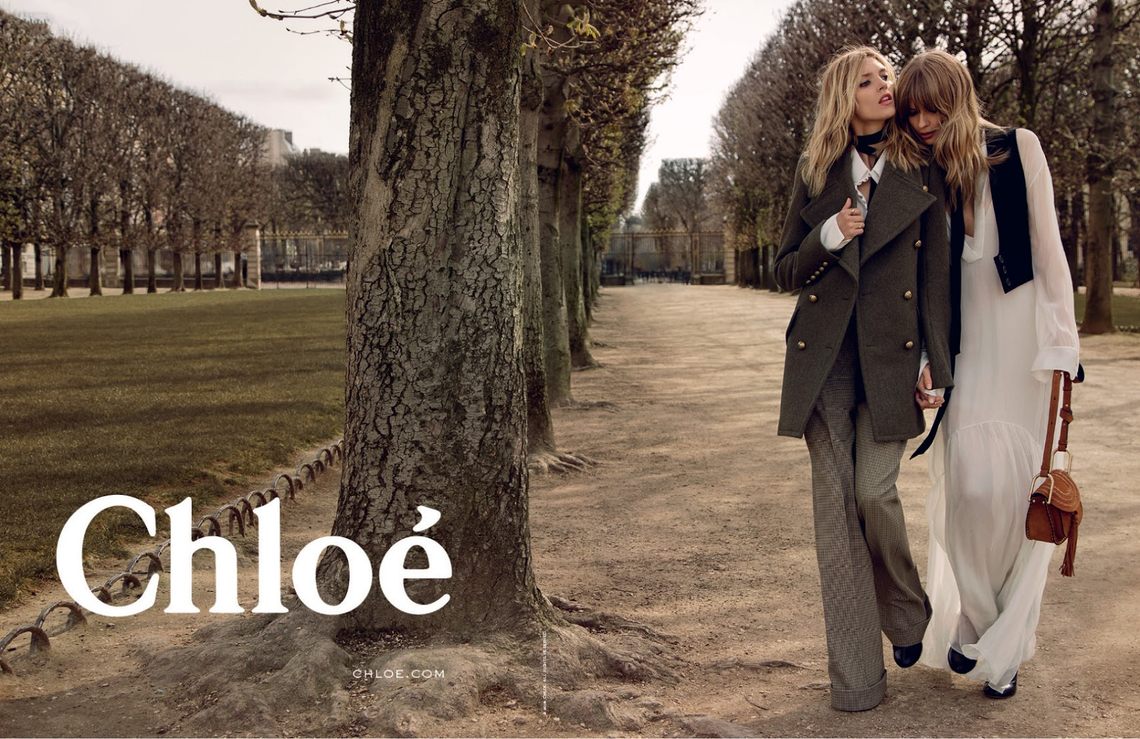Anja Rubik & Julia Stegner in Chloe Fall/Winter 2015 campaign (photography: Inez van Lamsweerde & Vinoodh Matadin) / best fashion ad campaigns fall/winter 2015 / via fashioned by love british fashion blog