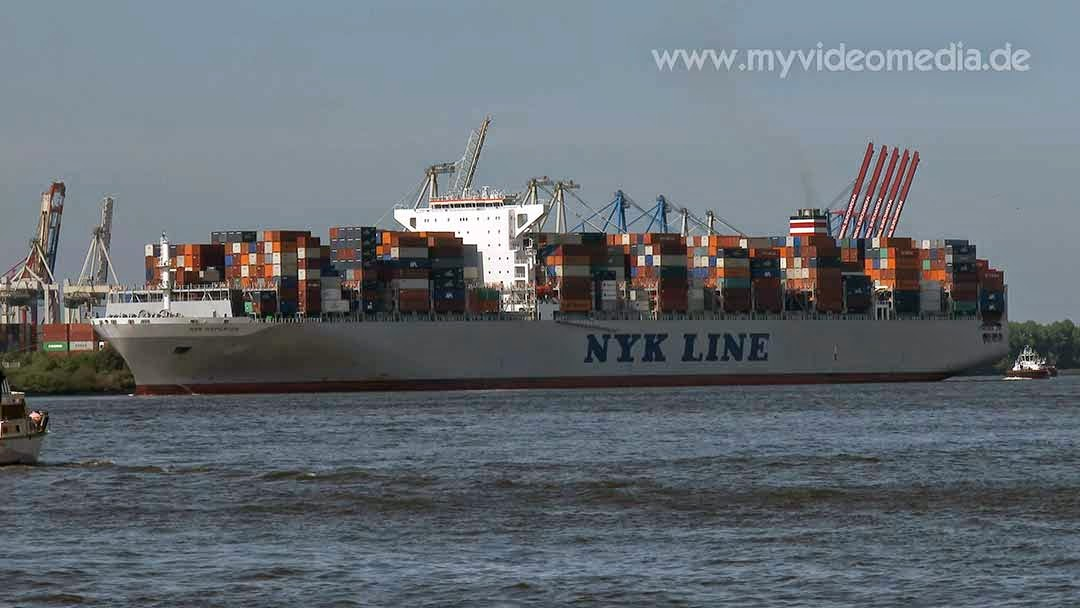 NYK Hyperion with 13200 TEU in Hamburg