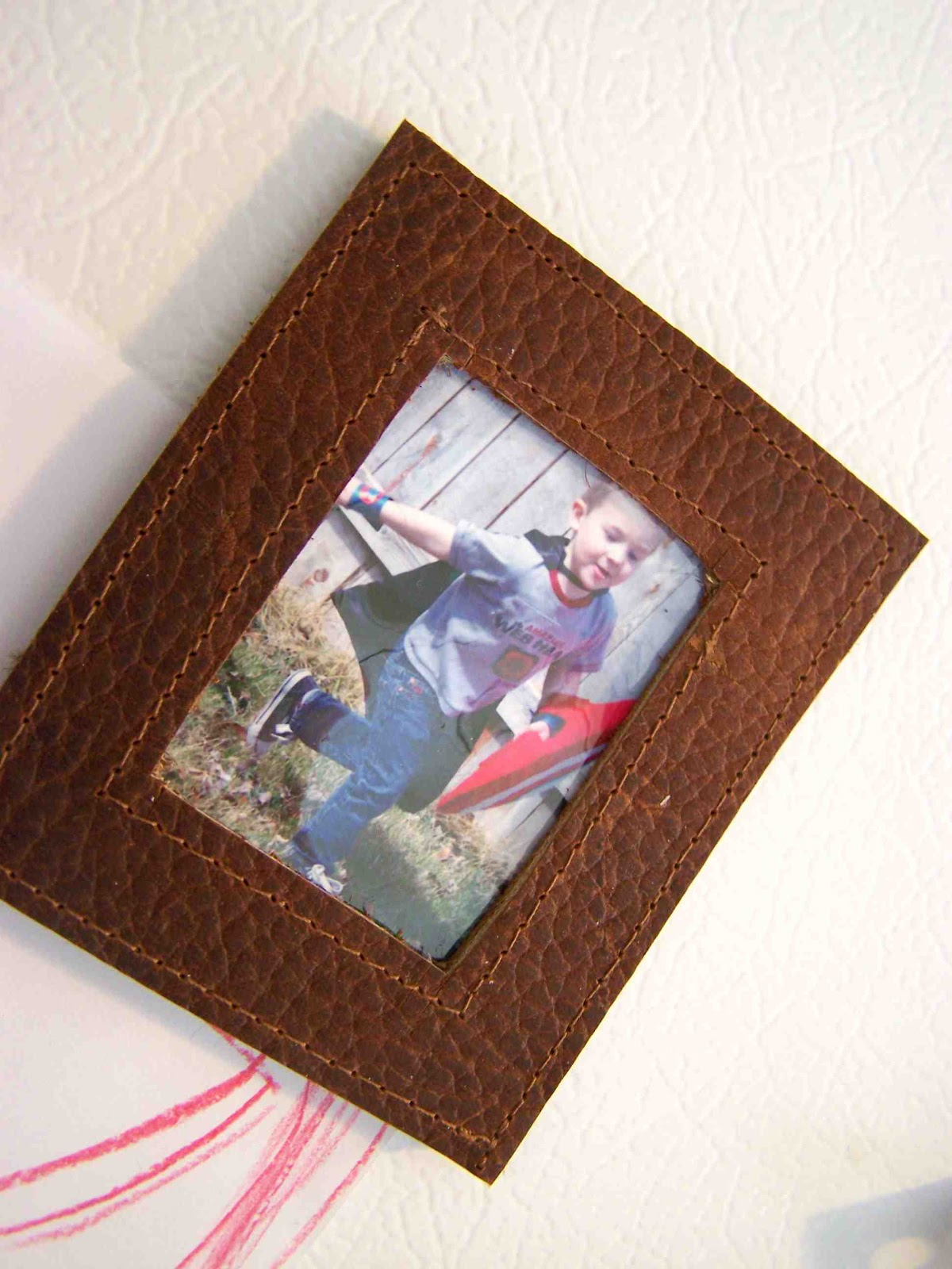 Made by Me. Shared with you.: Tutorial: Little Leather Magnetic Frames
