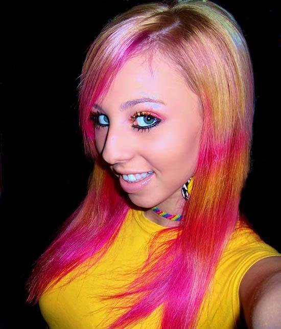 humor dump girls with colored hair