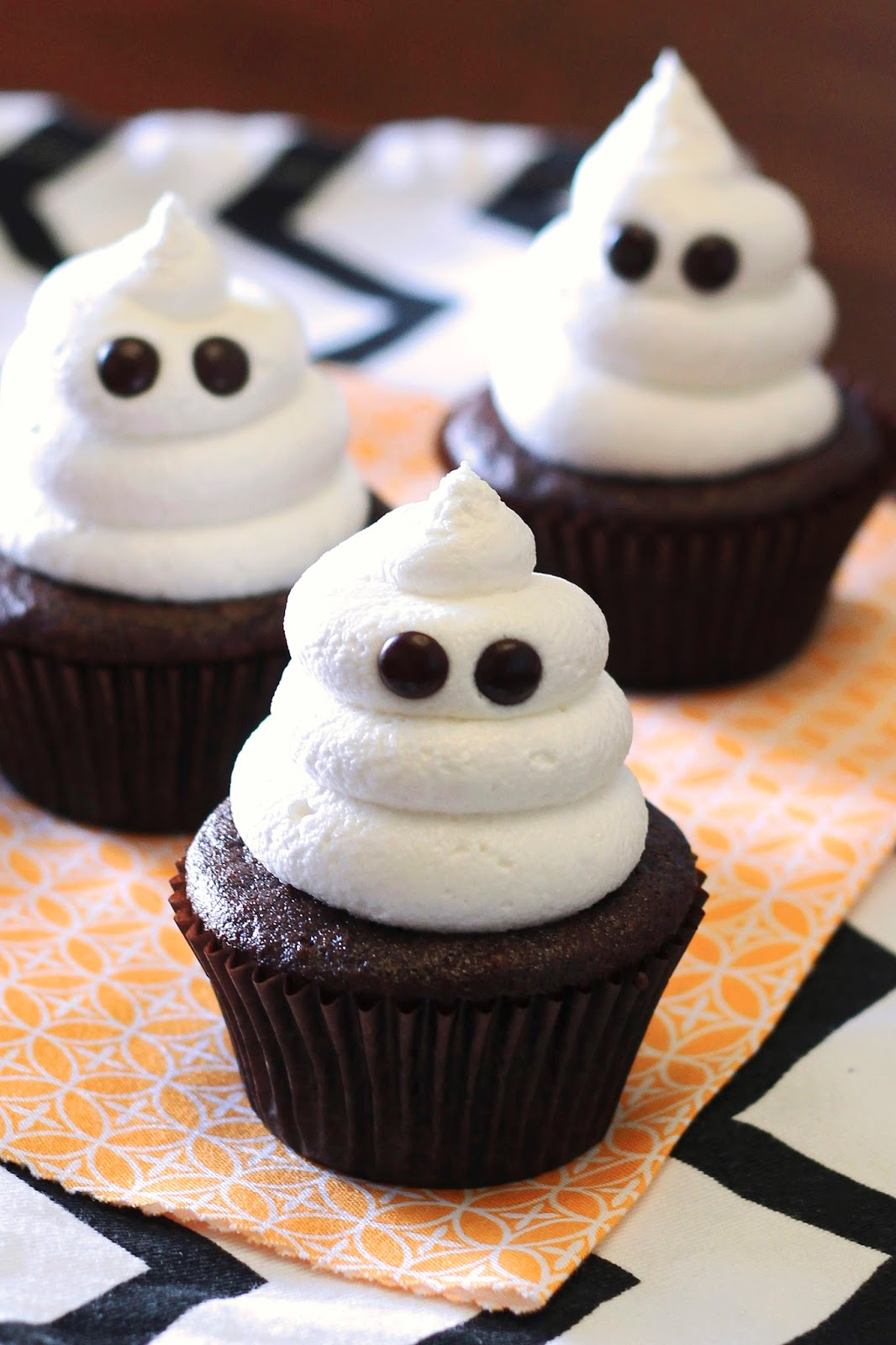 Sarah bakes gluten free treats gluten free vegan ghost for Easy halloween cakes to make at home