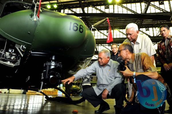 PT DI Hibahkan Heli BELL -412 EP ke Kementerian Pertahanan