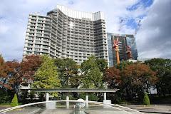 和田倉噴水公園とパレスホテル