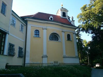 Pfarrkirche St. Johann Nepomuk in Breitenfurt West