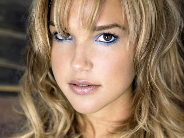 Arielle Kebbel Biography and Photos Gallery 2011