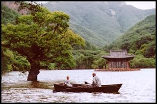Primavera, verano, otoño, invierno… y primavera (Kim Ki-duk, 2003). Corea del Sur
