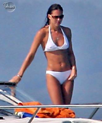 kate middleton pics bikini. Kate Middleton Bikini 2006