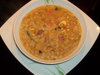 .. zuppa di orzo e legumi con porcini ..