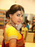 Actress Archana Beautiful photos in saree-cover-photo