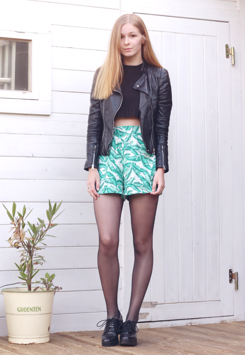 outfit tropical palm print shorts zara jacket crop top black