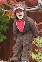 http://translate.googleusercontent.com/translate_c?depth=1&hl=es&rurl=translate.google.es&sl=en&tl=es&u=http://www.makeit-loveit.com/2012/10/halloween-costumes-2012-the-wolf-from-little-red-riding-hood.html&usg=ALkJrhikrLLvZ8jlrBb_lfxzSKxqBJhAOg
