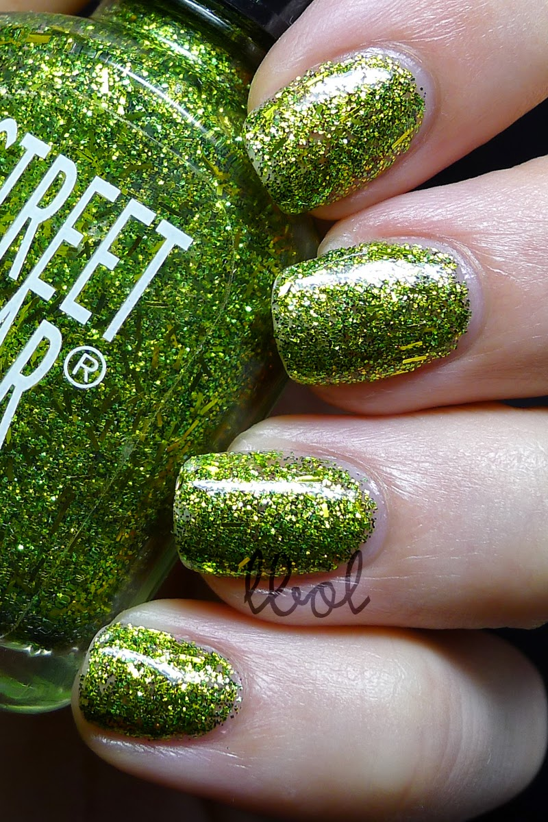 Revlon Street Wear Monster Mash Swatch