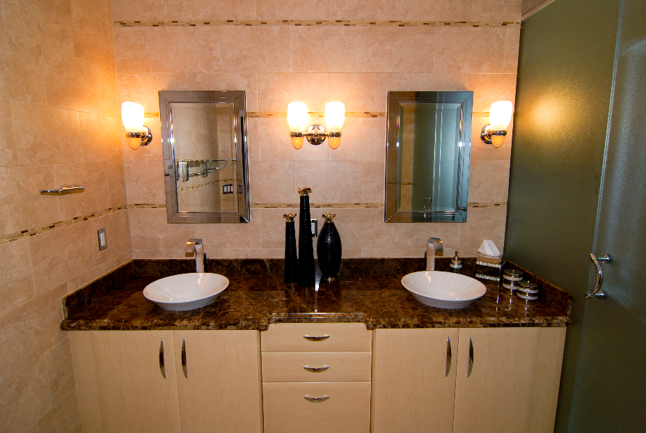 House of Order: Clean Master Bathroom Mirror, Sink, and Counters