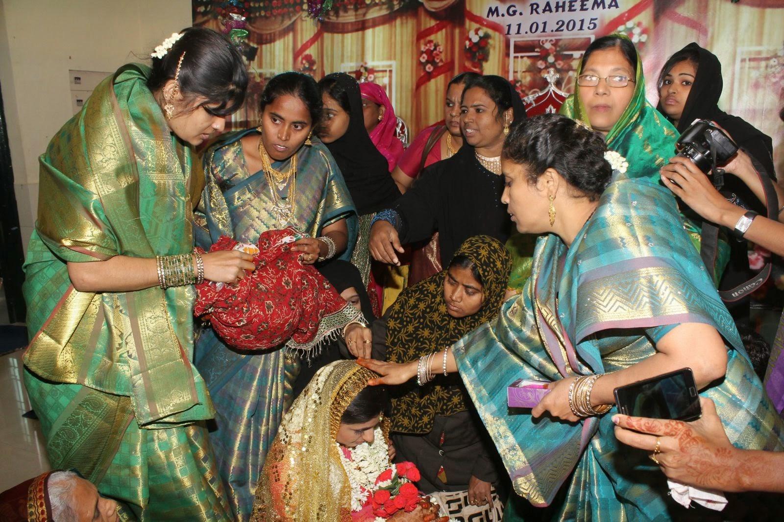 Ur Tamil Cinema Actress Monika Wedding Photos