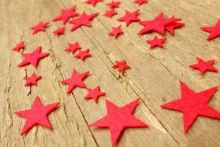 gwiazdki z cienkiego filcu czerwone