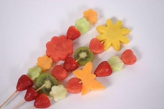 قدمى الفاكهة لطفلك بطرق مختلفة