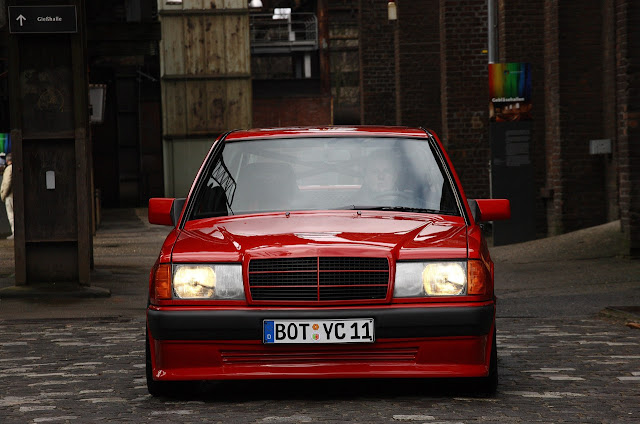 w201 red