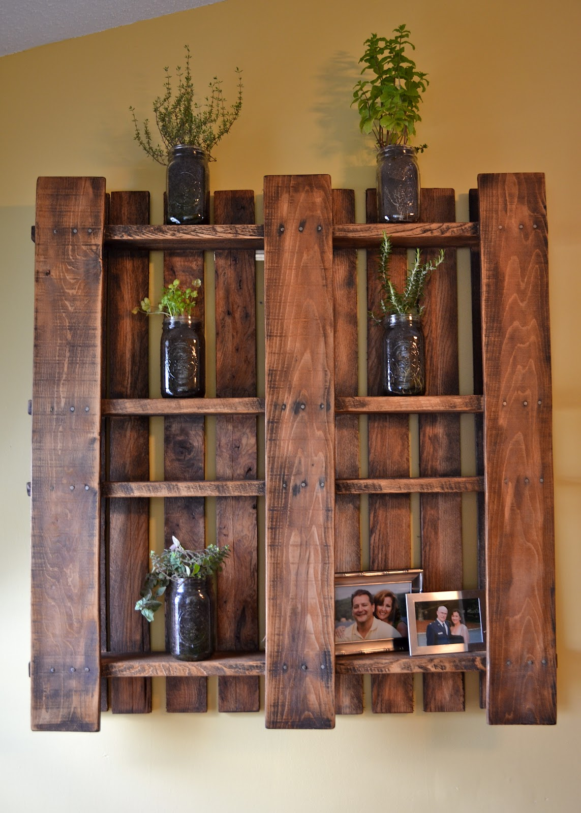 Pallet Wall Hanging the domestic doozie: how to hang a pallet