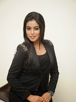 Actress Poorna latest photos in Black Attire-cover-photo