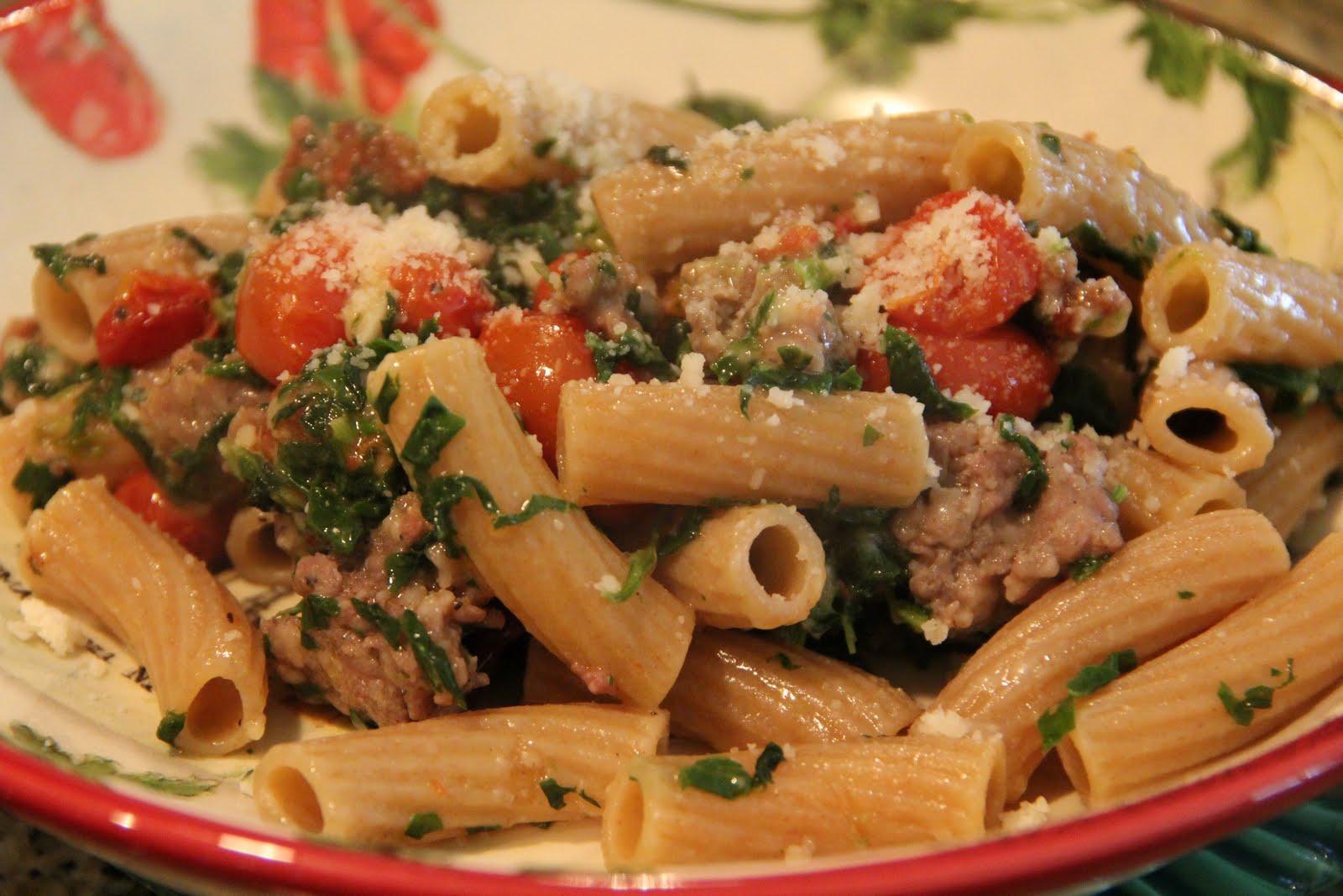 Mix and Match Mama: Dinner Tonight: Roasted Tomato and Sausage Pasta