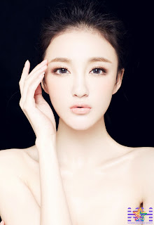 Hot actress Liu Yuxin