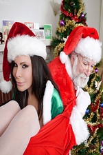 Ashley Renee Freaky Creepy Christmas With Santa & Some Creeper!