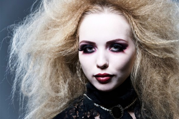 vampire hairstyles along with makeup ideas using vampires being one of ...