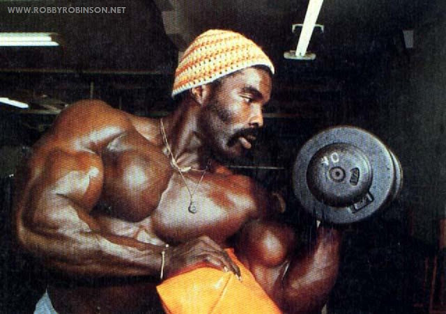ROBBY ROBINSON, SCOTT BENCH DUMBBELL BICEPS CURLS