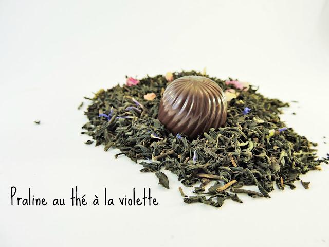 recette Praline au chocolat noir ganache au thé à la violette