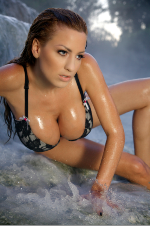 beauty woman jordan carver sexiest big boobs