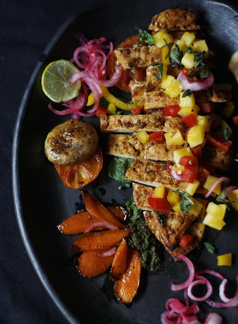 Grilled chicken tacos marinated in a delicious spice rub and tequila, served with a mango salsa and chilli mayonnaise dressing. Its hot, tangy, sweet and spicy all at the same time. Moveover Taco Bell, this is here to stay!