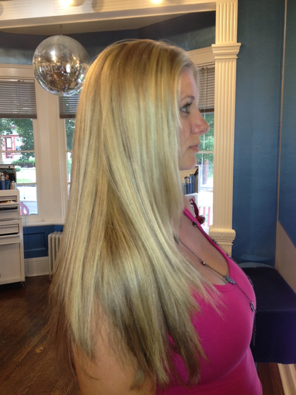 Viewing Gallery For - Platinum Blonde Hair With Lowlights