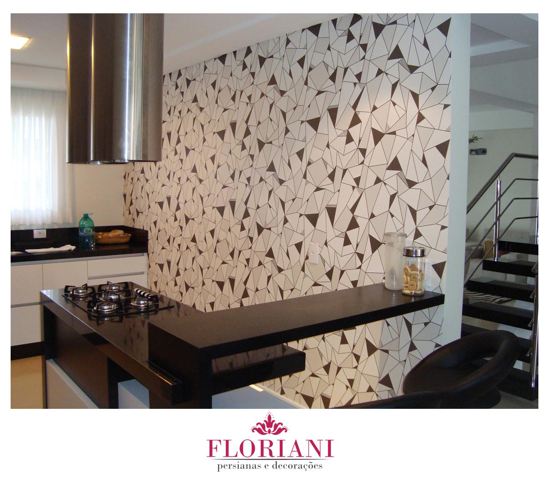Aplicação de papel de parede em cozinha. #60493B 1240 1078