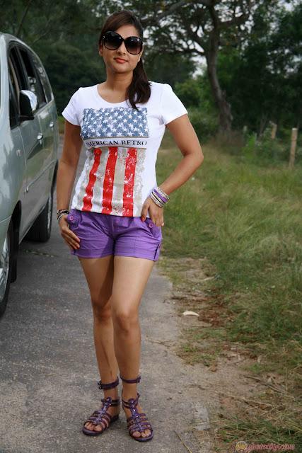 http://4.bp.blogspot.com/-ED5KP1_xbY4/TcBBzifuTiI/AAAAAAAABs8/JfQxCTFps9g/s1600/ramya-in-johny-mera-naam-gallery-5.jpg
