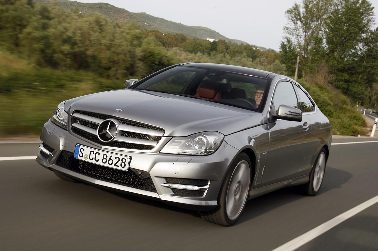 http://4.bp.blogspot.com/-EDNWfJNOslg/TeaynEwbo3I/AAAAAAAAIo0/9LB3zV19agk/s1600/2012%2BMercedes-Benz%2BC-Class%2BCoupe%2B04.jpg