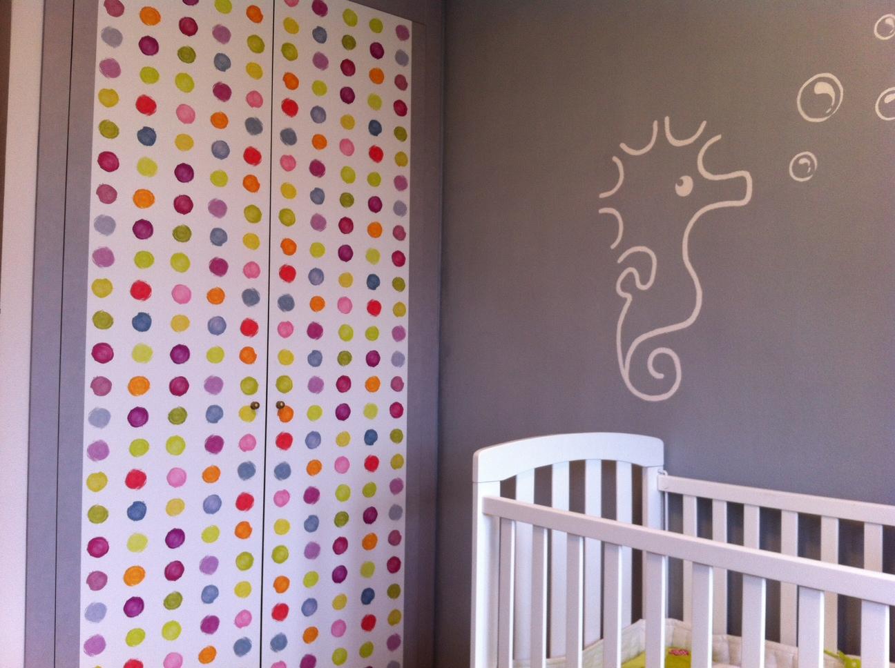 Diy x4duros 39 13 armario infantil de sandra for Papel pintado para forrar muebles