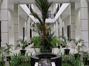 Dparagon Flamboyan Guest House
