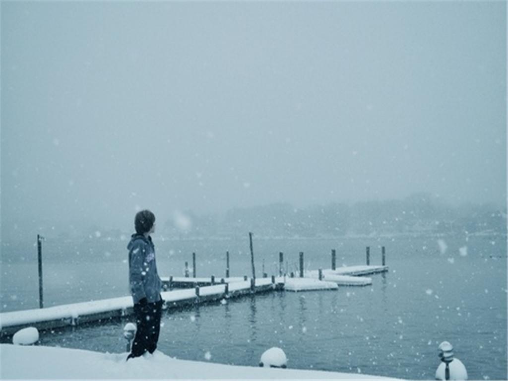 http://4.bp.blogspot.com/-EDq8_TM4XTE/UMLVxFIIeVI/AAAAAAAAAQc/uDD5piNwL8c/s1600/girl-sad-lonely-snow-263858.jpg