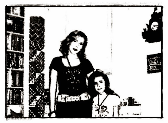 Foto Blanco y Negro Madre con Hijas