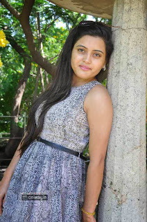 Actress-Shipra-Gaur-Stills-at-Roots-Film-Creations-Movie-Launch