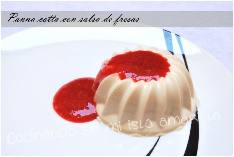 Panna cotta con salsa de fresas