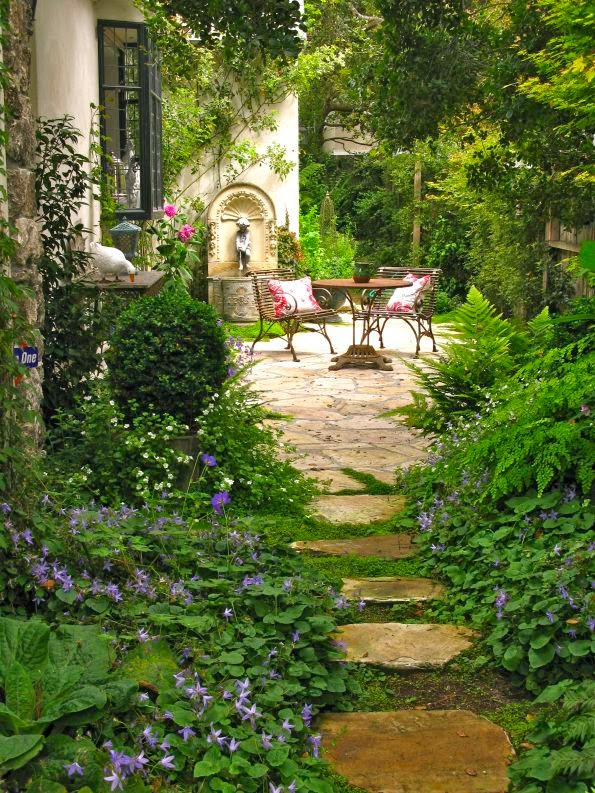 Home garden 40 inspirations pour un jardin anglais - Serene traditional cottage in natural theme ...