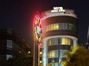 Hotel Murah di Menteng dekat UI - Mega Cikini Hotel